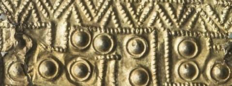 Dettaglio di una lamina in oro dal corredo della Tomba degli Ori di Vulci