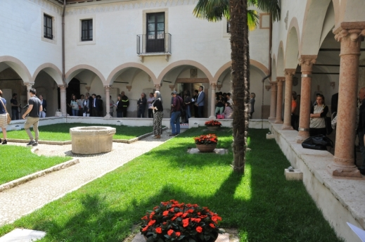 Il chiostro dell'ex convento dei Gesuati attorno al quale si sviluppa il rinnovato museo Archeologico al Teatro romano