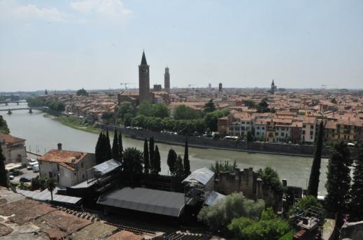 L'eccezionale panorama sulla città di Verona che si gode dal rinnovato museo Archeologico al Teatro Romano di Verona