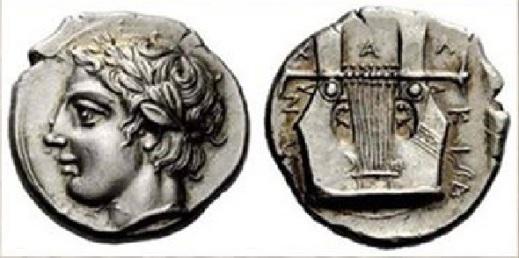 Una cetra a sette corde sul rovescio di una tetradracma della zecca di Olinto (Macedonia) del 410-400 a.C.