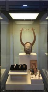 L'eccezionale lyra trovata da Paolo Orsi nella necropoli di località Lucifero a Locri