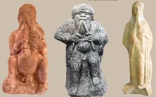 Statuette di Bes, di un satiro e di una suonatrice: tutti con il doppio aulos