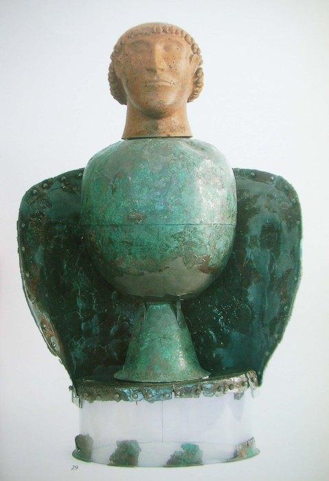 Il canopo di Dolciano uno dei tesori conservati al museo nazionale Etrusco di Chiusi