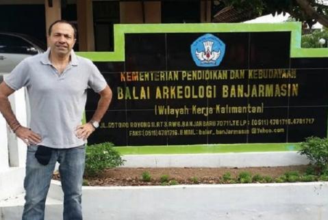 Il prof. Michele Raddi del'università Udayana di Bali, direttore del progetto di ricerca a Batu Hapu