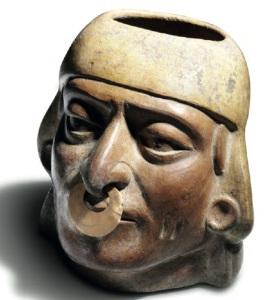 Vaso antropomorfo della cultura Moche (Perù)