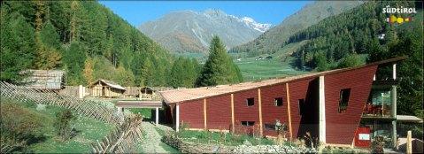 L'Archeoparc - Museum della Val Senales, ricostruisce l'ambiente della vita di Oetzi