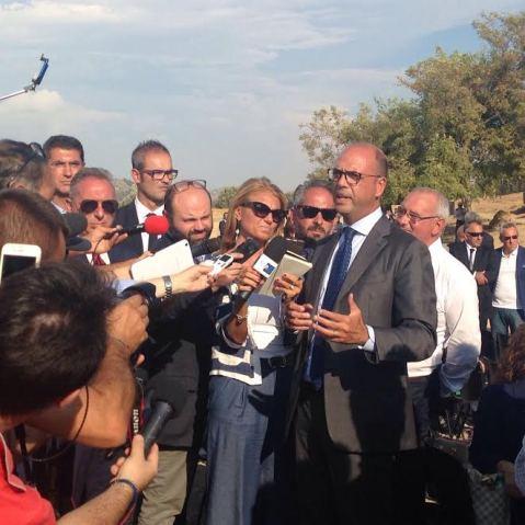 Il ministro Angelino Alfano al parco archeologico della valle dei templi di Agrigento