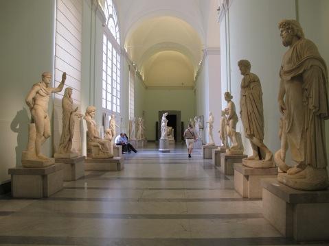 Il museo Archeologico nazionale di Napoli ospiterà nel 2017 una collezione Versace