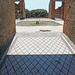 A Pompei riapre al pubblico la Casa dei Mosaici geometrici