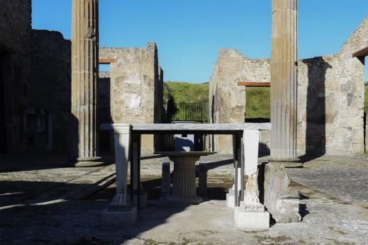 Il grande atrio della casa di M. Obellio Firmo restituita per le festività natalizie ai visitatori degli scavi di Pompei