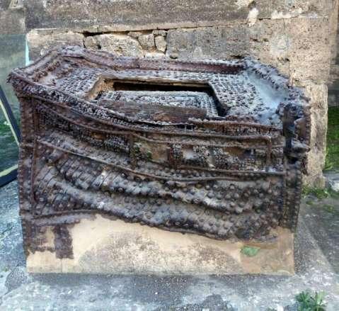Il gigantesco forziere in bronzo e ferro che M. Obellio Firmo teneva nell'atrio di ingresso della sua domus