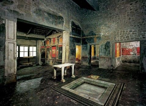 La domus di Marco Lucrezio Frontone dalle preziose decorazioni