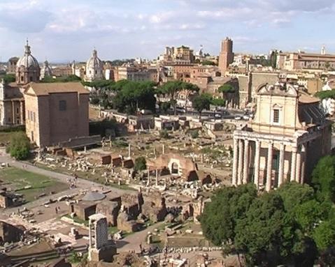 """Una panoramica dell'area archeologica dei fori di Roma: il 1° gennaio aperti gratis """"senza confini"""""""