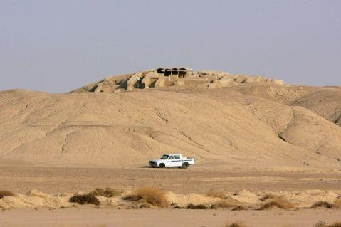 La collina di Shahr-e Sokhta, nel sud-est dell'Iran, sito dell'età del Bronzo nella valle dell'Helmand