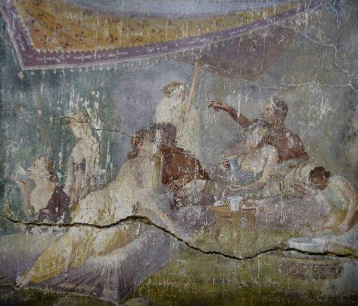 L'affresco con il bacio che ha dato il nome alla domus dei Casti Amanti di Pompei aperta per San Valentino