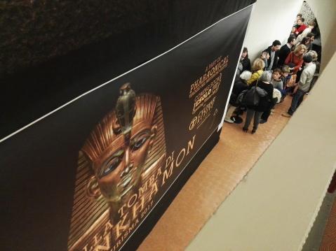 Tutti in fila per entrare nella camera funeraria di Tutankhamon ricostruita a Tourisma 2017