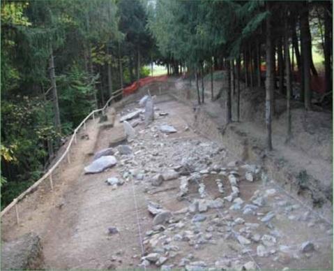 L'allineamento di stele e menhir del santuario megalitico di Pat
