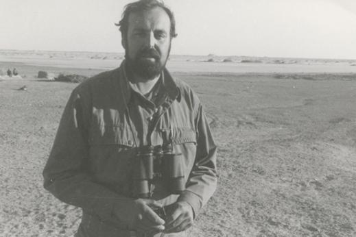 Un giovane Maurizio Tosi nel deserto del Sistan in Iran dove ha scoperto Shahr-e Sokhta