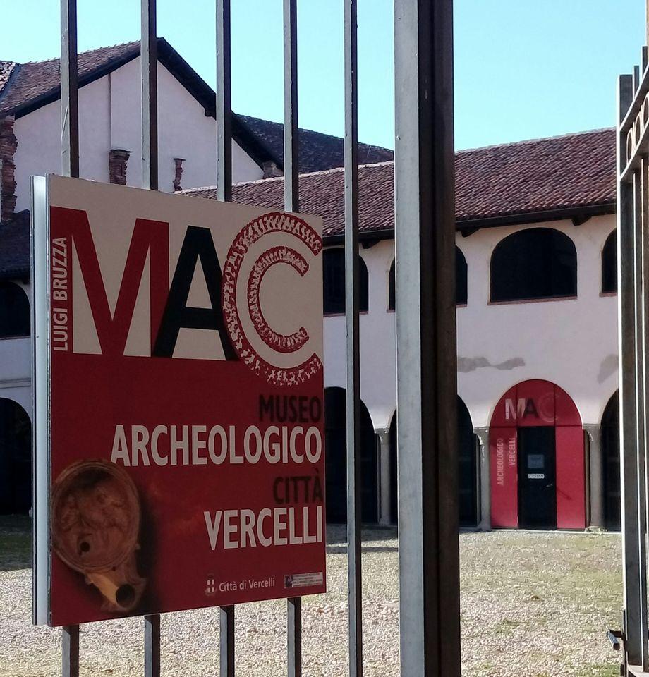 vercelli_museo-archeologico_ingresso_foto-mac