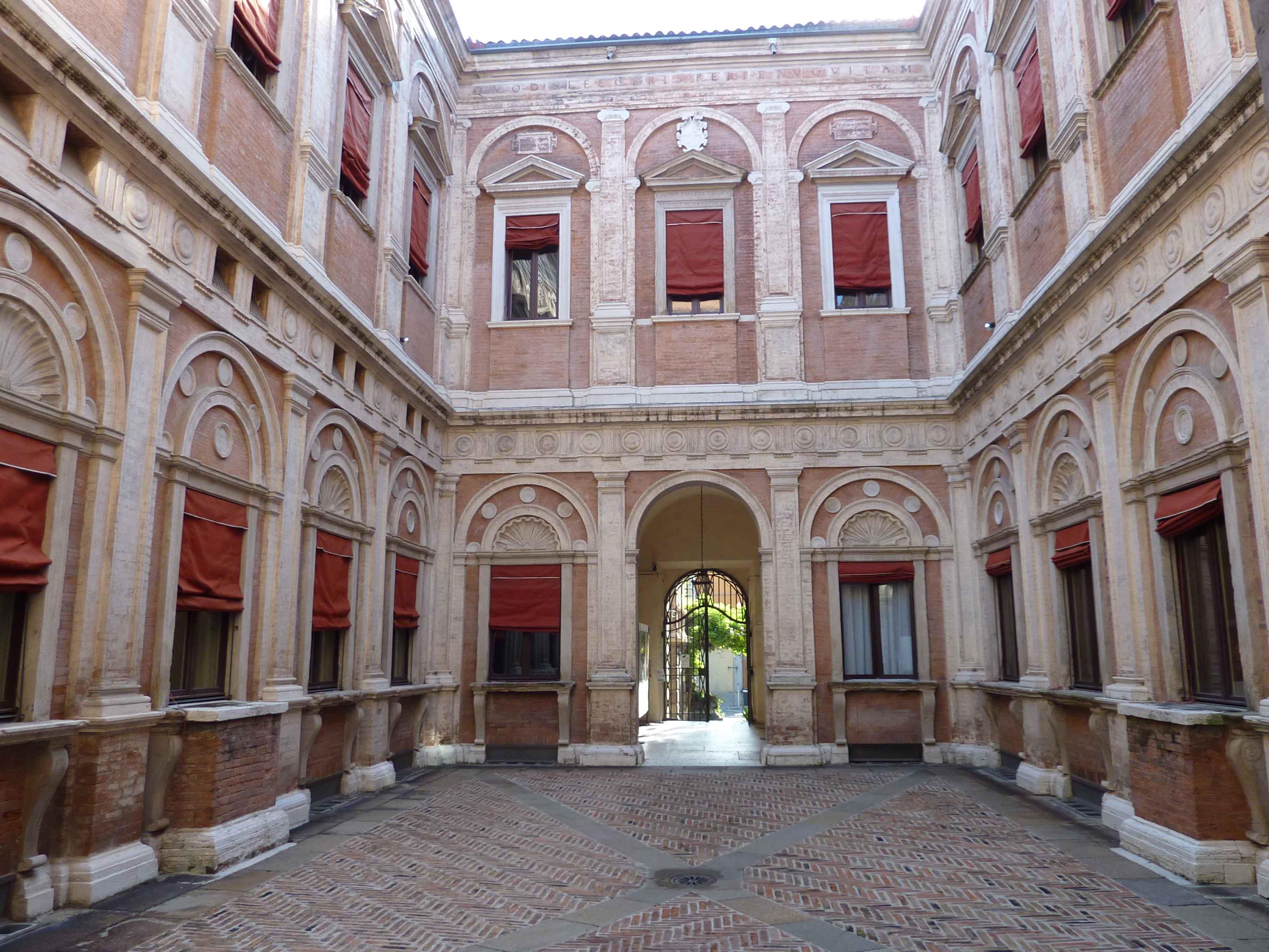 ferrara_Palazzo Naselli Crispi-sede legale_foto-consorzio-bonifica-pianura-ferrara