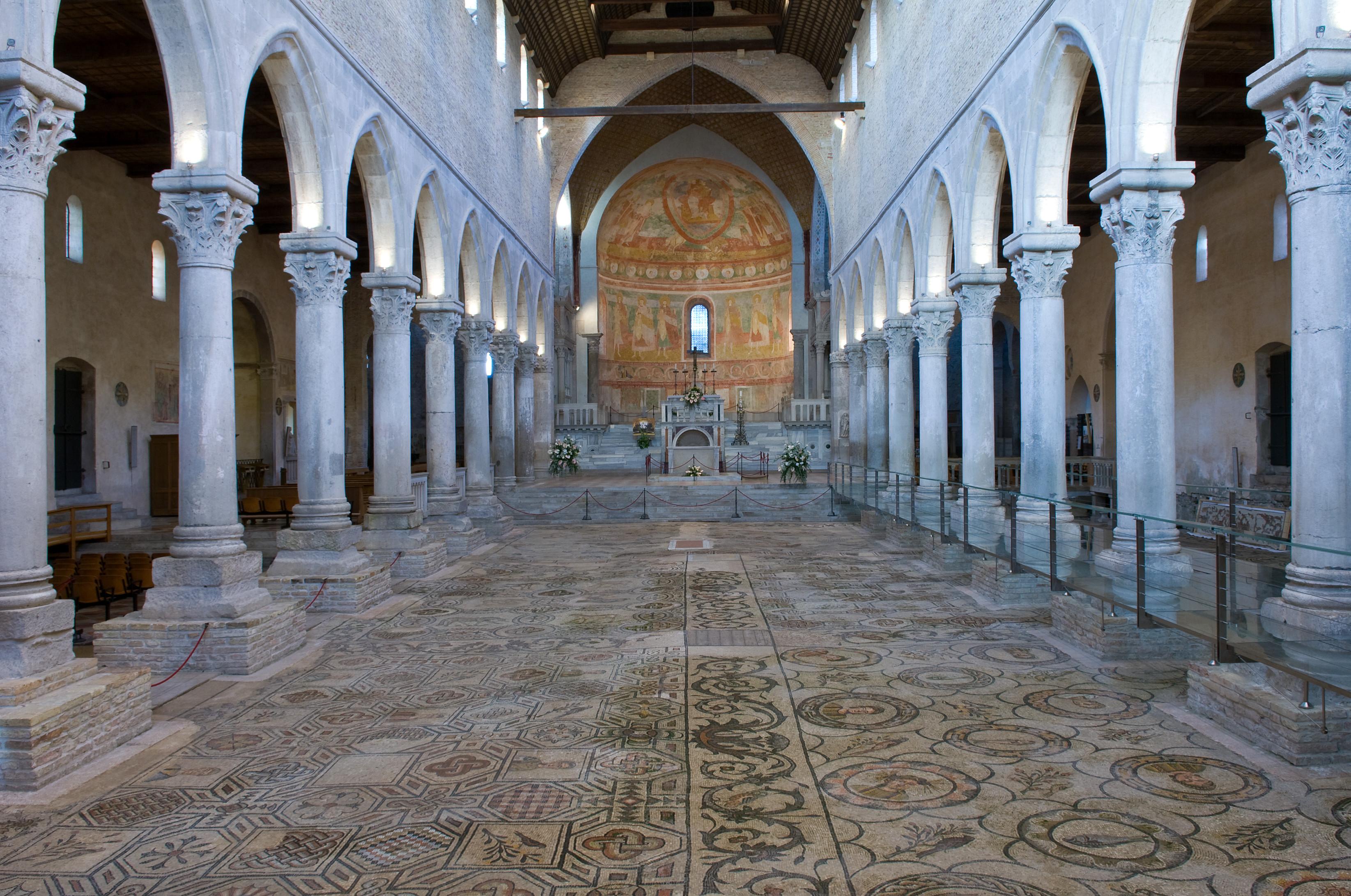 aquileia_basilica_interno-navata_foto-g-baronchelli