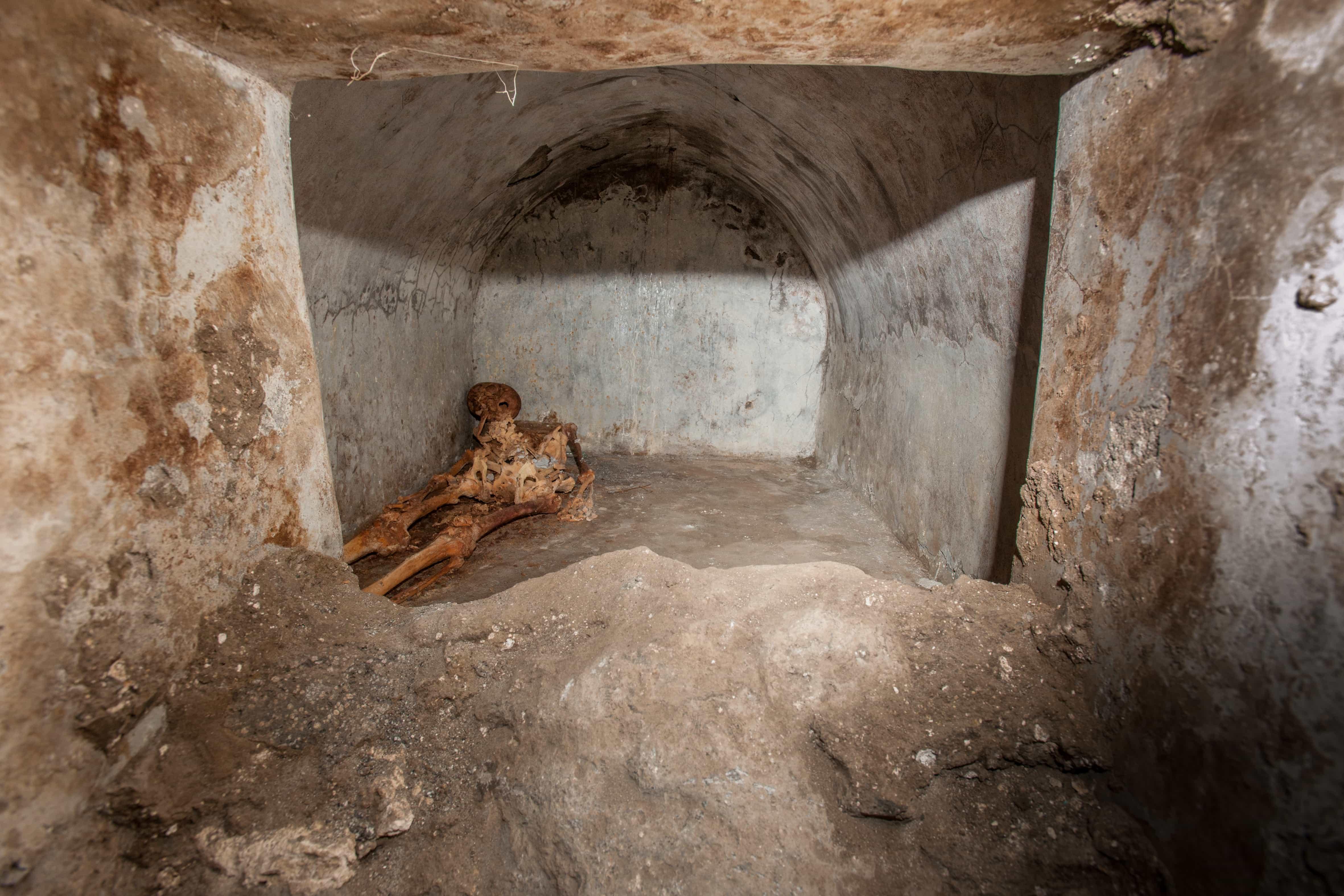 pompei_Tomba Porta Sarno_Scheletro_foto-parco-archeologico-pompei
